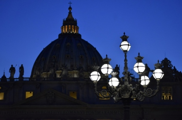tuttle_photo_vaticanbynight